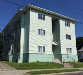159 Oak St 4 Beds Apartment for Rent Photo Gallery 1