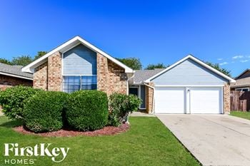 529 VALLEY SPRING DR 3 Beds House for Rent Photo Gallery 1