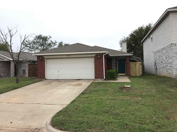 10640 TOWERWOOD DR 3 Beds House for Rent Photo Gallery 1