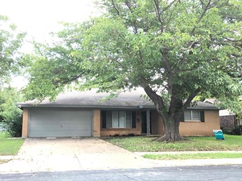 7013 ROCKDALE RD 3 Beds House for Rent Photo Gallery 1