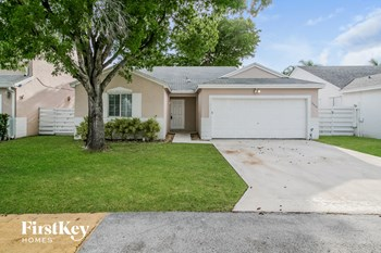 14468 SW 138th Place 3 Beds House for Rent Photo Gallery 1