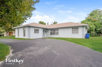1520 NW 55Th Avenue 3 Beds House for Rent Photo Gallery 1