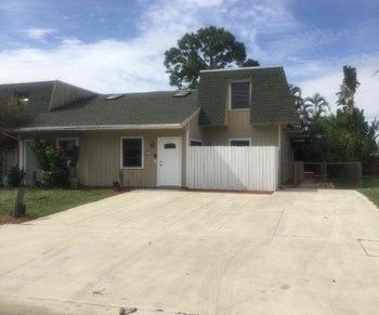 9111 W Highland Pines Drive 3 Beds House for Rent Photo Gallery 1