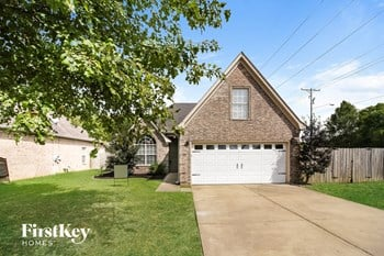 978 Parham Dr 4 Beds House for Rent Photo Gallery 1
