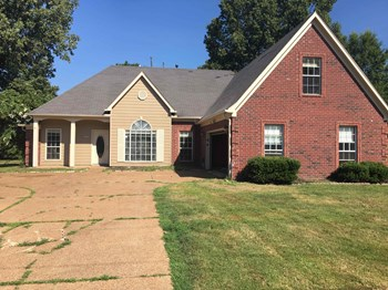 7601 Broken Hickory Dr 4 Beds House for Rent Photo Gallery 1