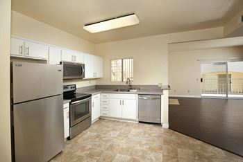 1313 Highland Ave. 1-2 Beds Apartment for Rent Photo Gallery 1