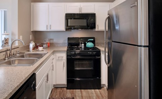 Apartments for Rent in Santa Clarita, CA - Canyon Crest Kitchen
