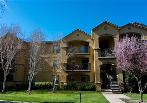 Oak Brook Apartments Community Thumbnail 1