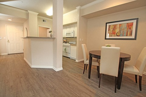 Kitchen  and Dining l Oak Brook Apartments in Rancho Cordova CA