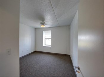 3690 Casimir Pulaski Road 1-2 Beds Apartment for Rent Photo Gallery 1