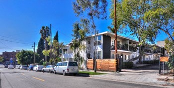1633 Morton Ave 1-2 Beds Apartment for Rent Photo Gallery 1