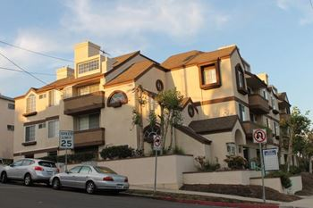 9915 National Blvd 1-2 Beds Apartment for Rent Photo Gallery 1