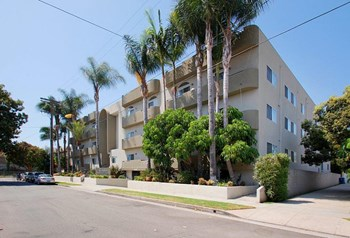 11221 Richland Avenue Studio-3 Beds Apartment for Rent Photo Gallery 1