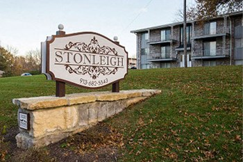1331 Stonleigh Court 2-3 Beds Apartment for Rent Photo Gallery 1