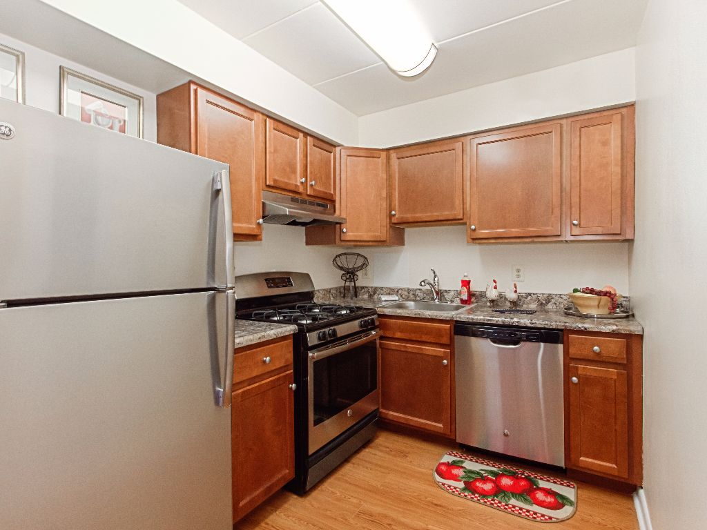 Washington-View-Apartments-Renovated-Kitchen
