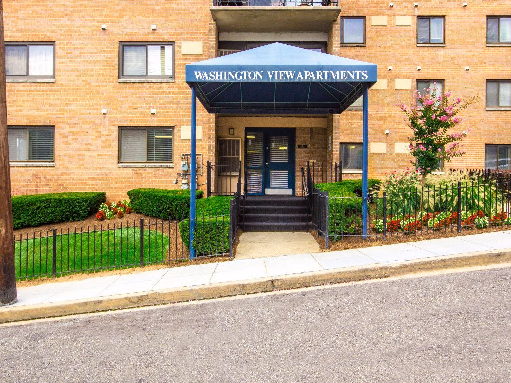 Washington-View-Apartments-Exterior-Building-Shot
