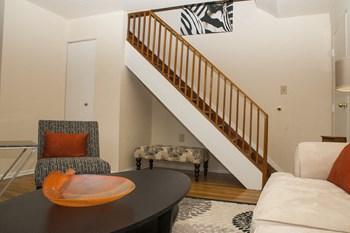 2000 Ridgecrest Court, SE 1-3 Beds Apartment for Rent Photo Gallery 1