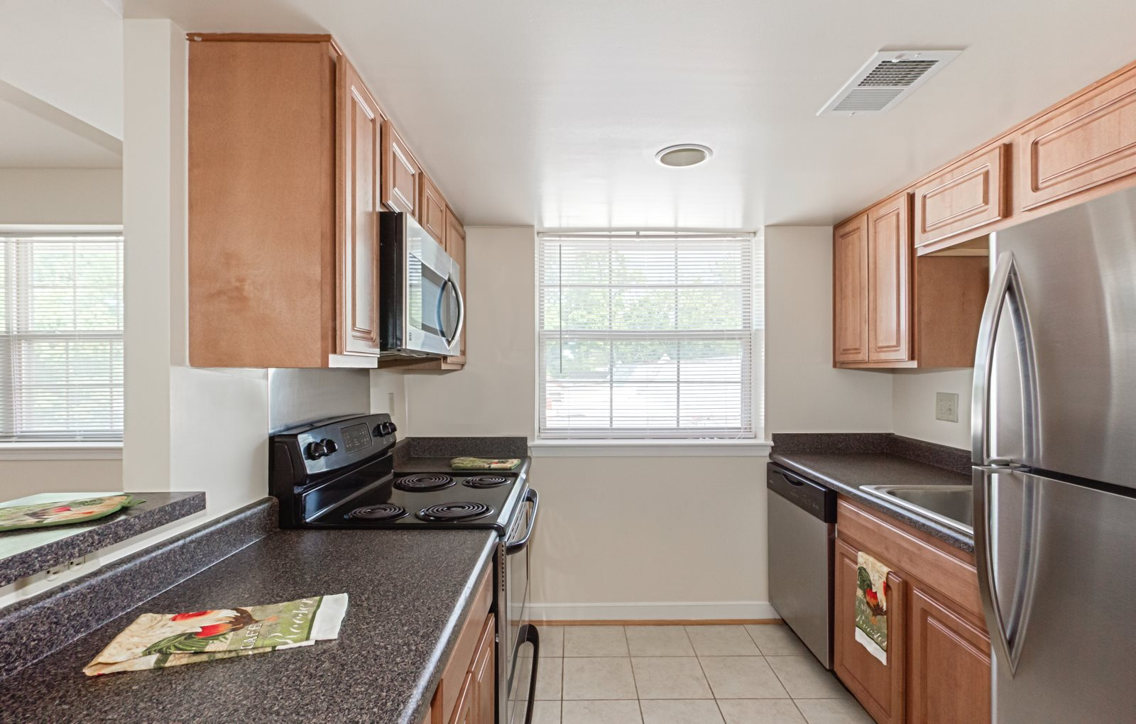 T-Street-Apartments-Kitchen