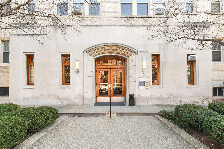 Eddystone-Apartments-Front-Entrance