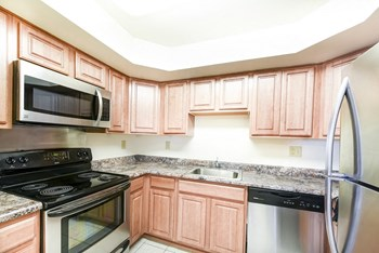 1350 Jasper St SE 2 Beds Apartment for Rent Photo Gallery 1