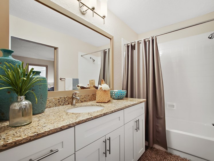 Bathroom Accessories at Retreat at Crosstown, Riverview
