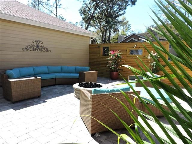 Community Lounge at Retreat at Crosstown, Riverview, Florida