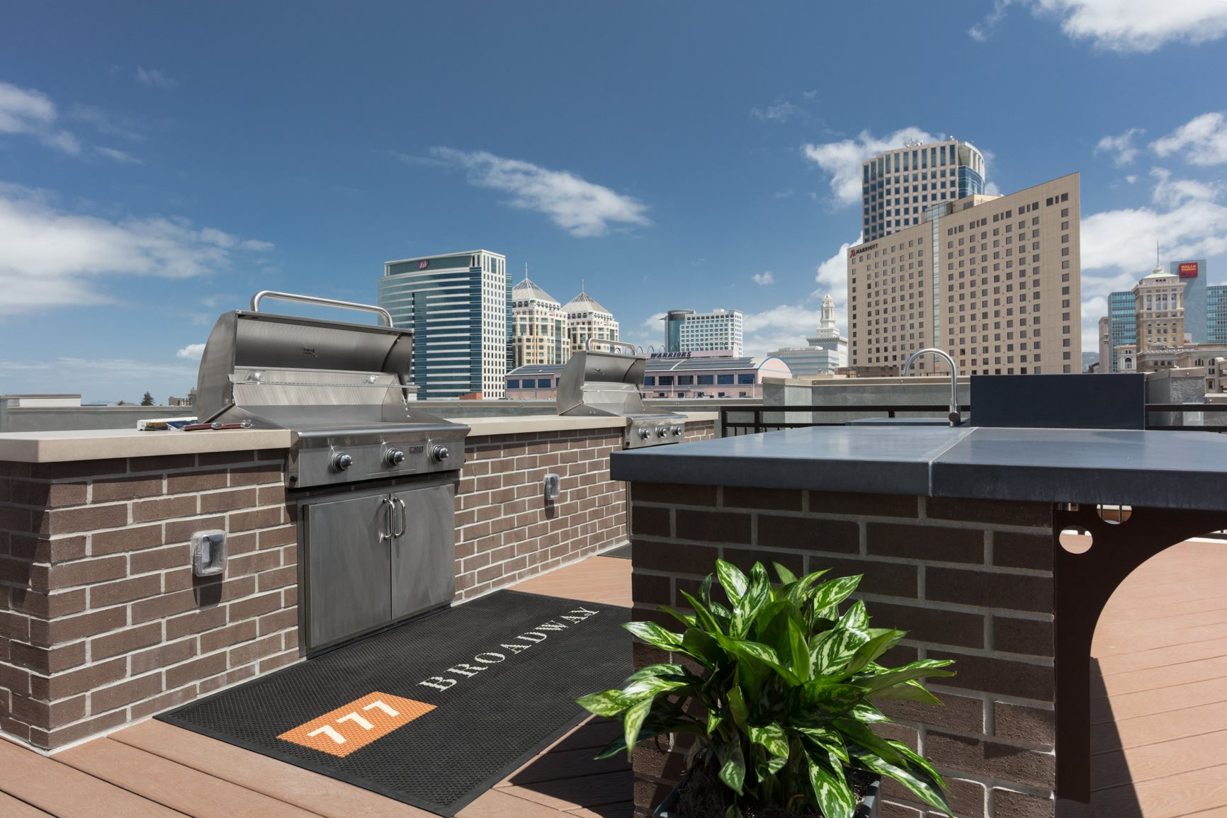 Pet-Friendly Apartments in Oakland, CA for Rent - 777 Broadway Rooftop Grill