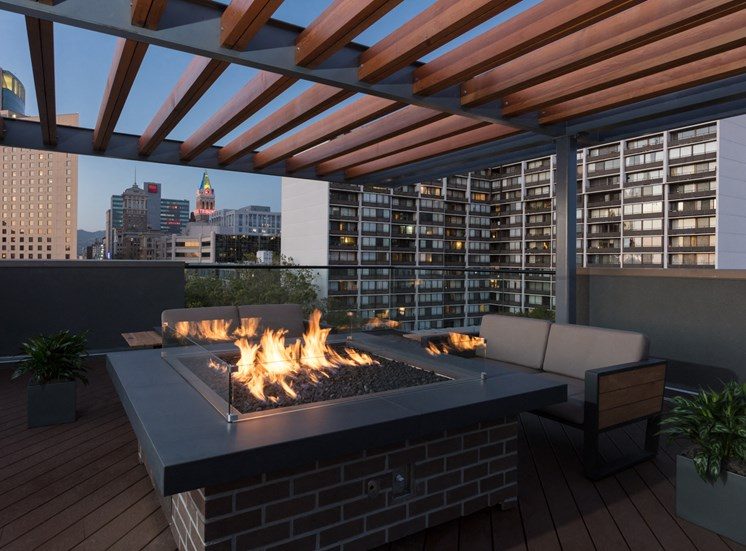 Luxury Apartments in Oakland CA-777 Broadway Rooftop Fire Pit