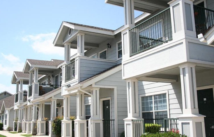 New Baunfels, Texas Apartments l Cotton Crossing Apartments