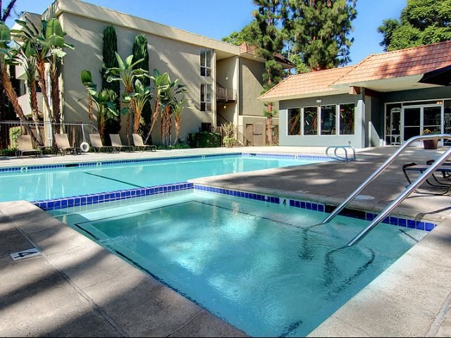 Apartments for Rent in Covina, CA - Covina Grand Swimming Pool