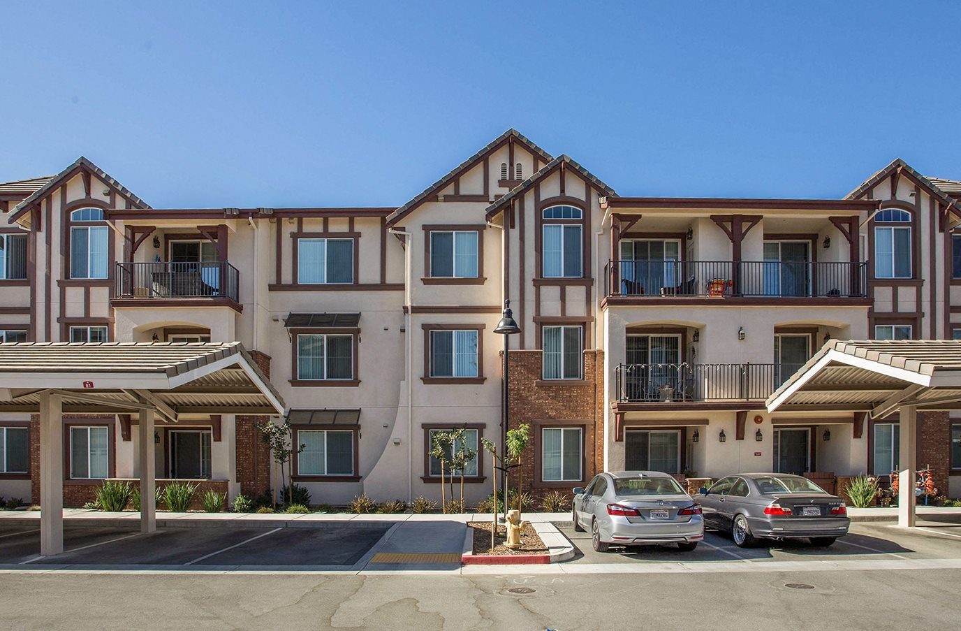 Exterior Apt buildings l Diamond Creek Apartments l Apartments in Morgan Hill