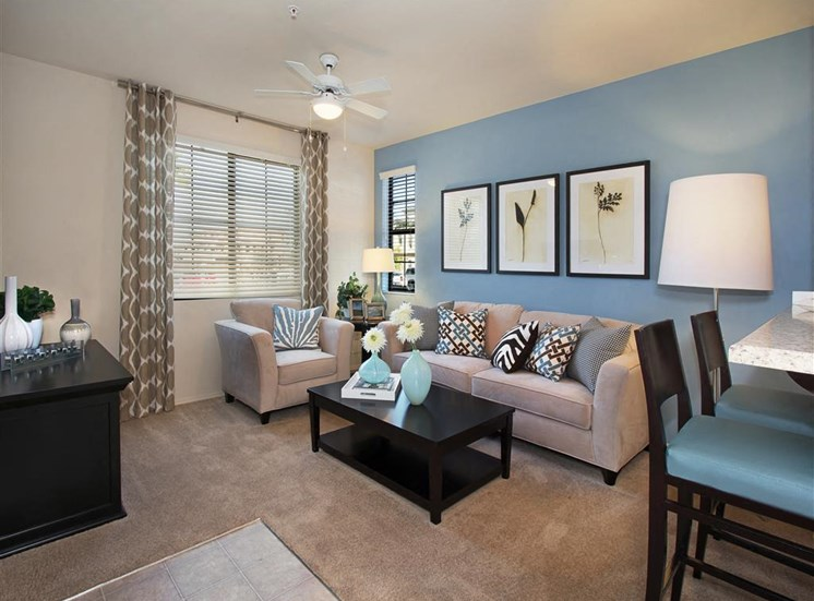 Pet Friendly Apartments in Las Vegas, NV | Everett Apartment Homes