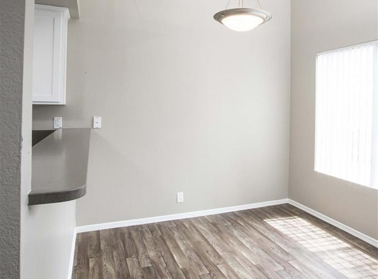 Dining Area Apartments in San Pedro CA for Rent - Harborview Apartments 90732