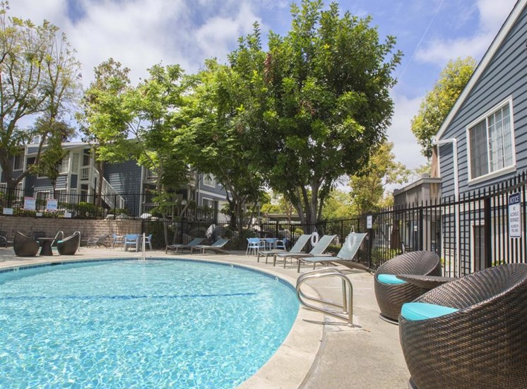 San Pedro CA Apartments for Rent - Harborview Apartments Swimming Pool