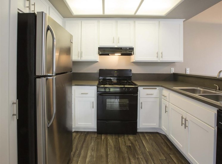 San Pedro CA Apartments for Rent - Harborview Apartments Kitchen
