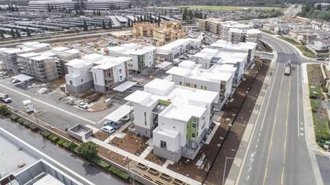 Hub Apartments | Folsom CA |Skyline