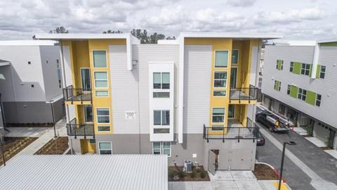 Hub Apartments | Folsom CA |Courtyard