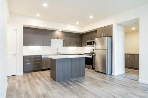 Hub Apartments | Folsom CA |Kitchen