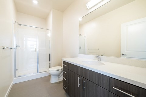 Hub Apartments | Folsom CA |Bathroom