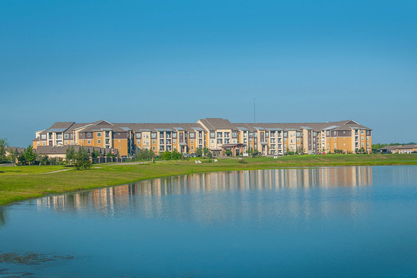 Luxe at 1300 Apartments l Waco, TX 76760