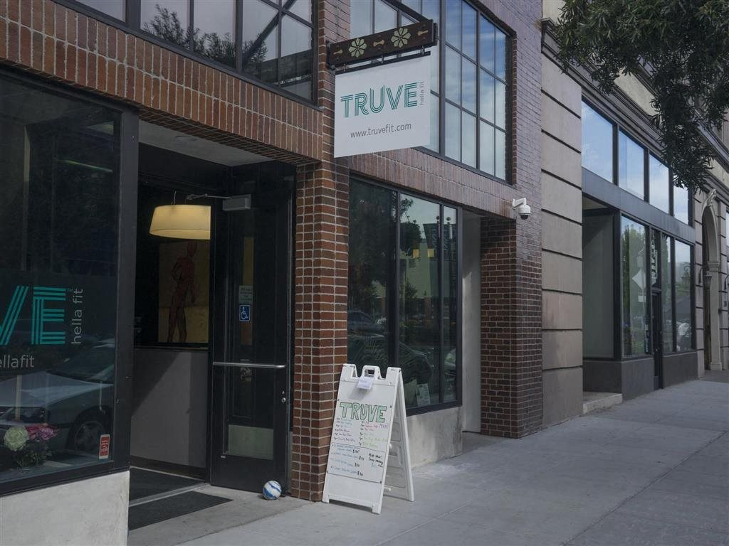 Brand New Apartments for Rent | Mason at Hive Apartments in Oakland, CA  Leasing Office