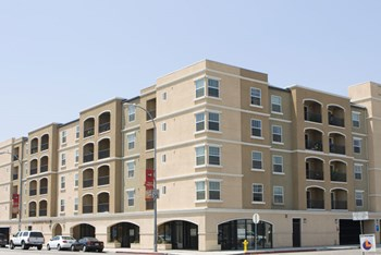 5601 Atlantic Blvd 1 Bed Apartment for Rent Photo Gallery 1