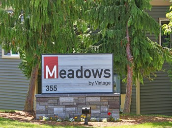 355 Meadowbrook Court 3-4 Beds Apartment for Rent Photo Gallery 1