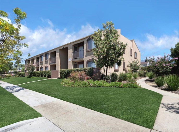 Apartments For Rent in Ontario, CA  - Mountain Summit Exterior