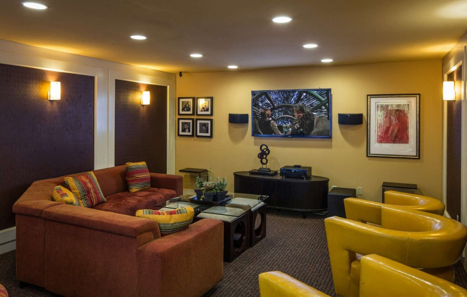Apartments in Downtown Sacramento | The Palms | Home