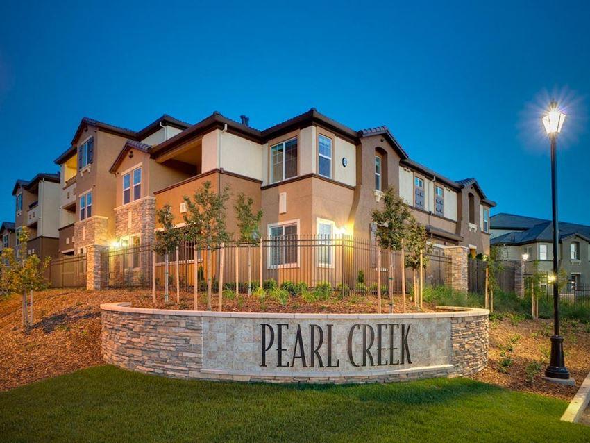 Pearl Creek luxury Apartments in Roseville, CA-Exterior