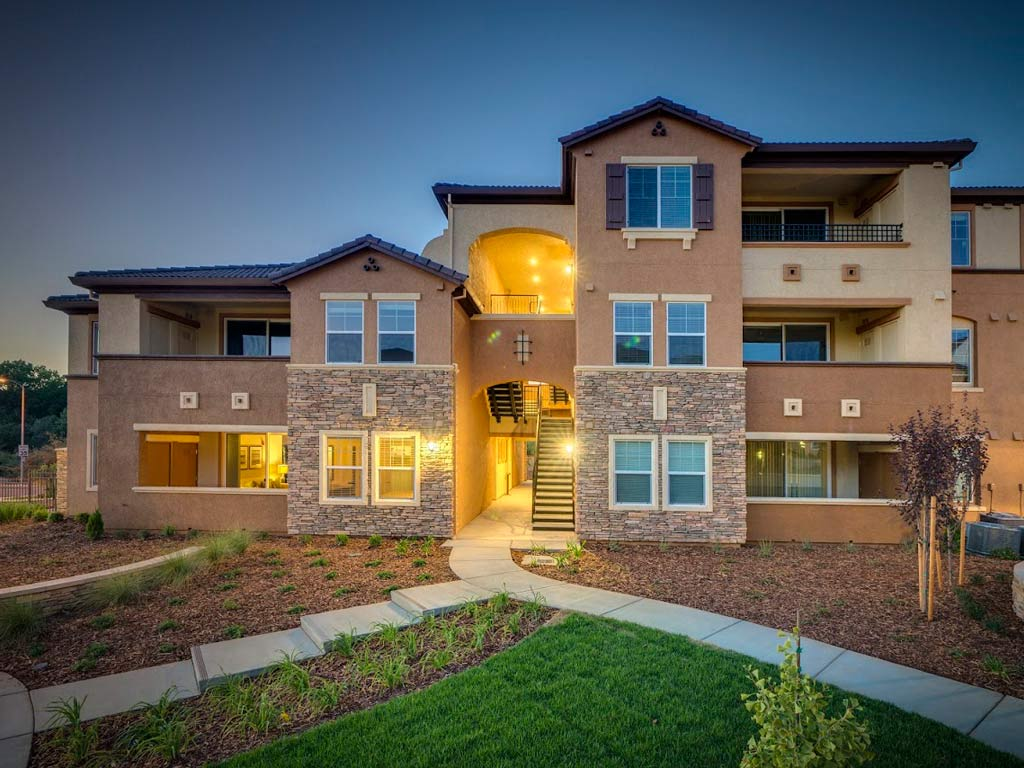 Pearl Creek Apartments1298 Antelope Creek Drive Roseville, CA 95678