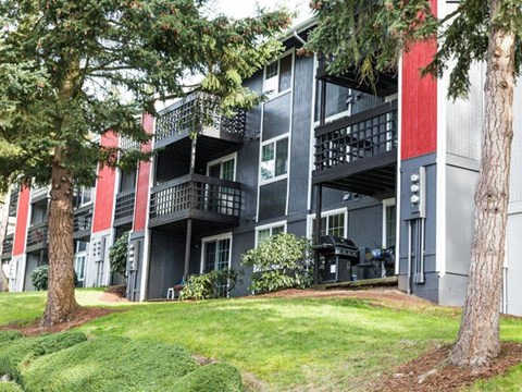 Apartments for Rent in Kent, WA - Redhill Pines Apartments Front Building