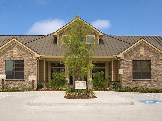 Waco, Texas Apartments l The Retreat at CTM Apartments