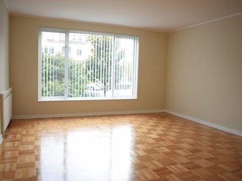 bedroom l Ryan Tower Apartments in San Mateo CA